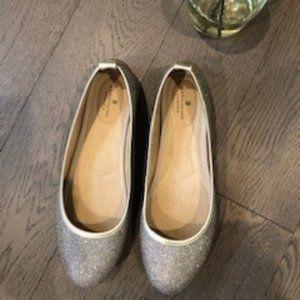 Bandolino B-Flexible sparkle Flats Silver Size 8.5